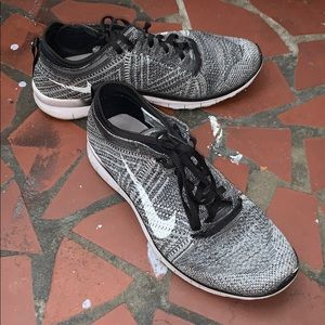 Nike running shoes 5.0